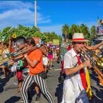 O Carnaval está aí. Vem sambar em Floripa!
